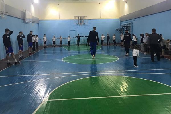 """Баскетболисты """"Тамбова"""" провели мастер-класс для школьников"""