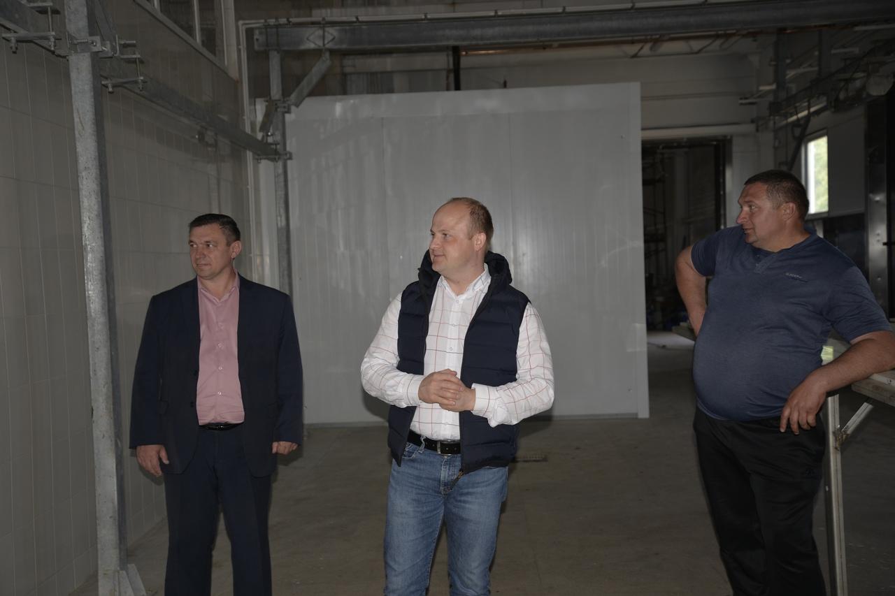 Глава Рассказовского района посетил строящийся мясокомбинат
