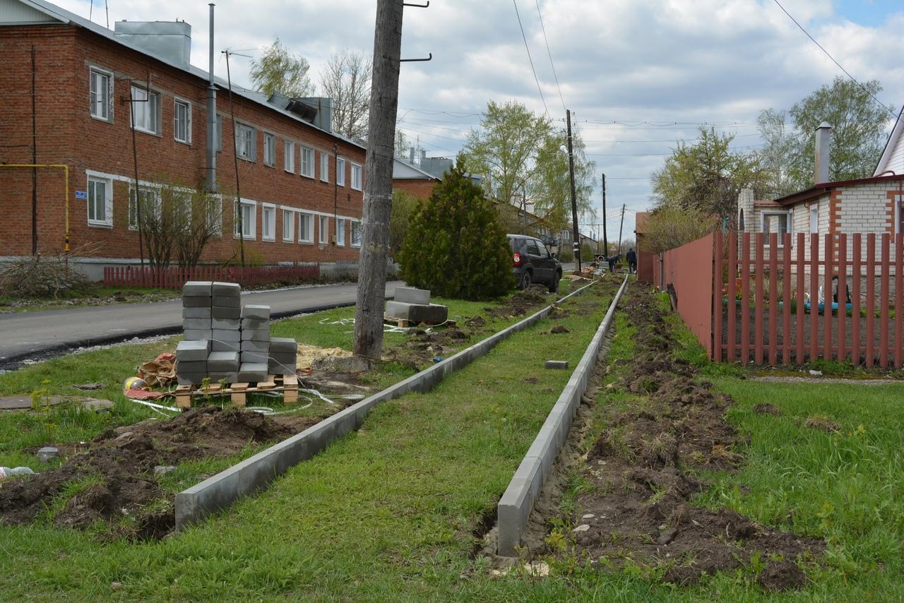 Глава Рассказовского района проверил ход работ по реконструкции дома культуры