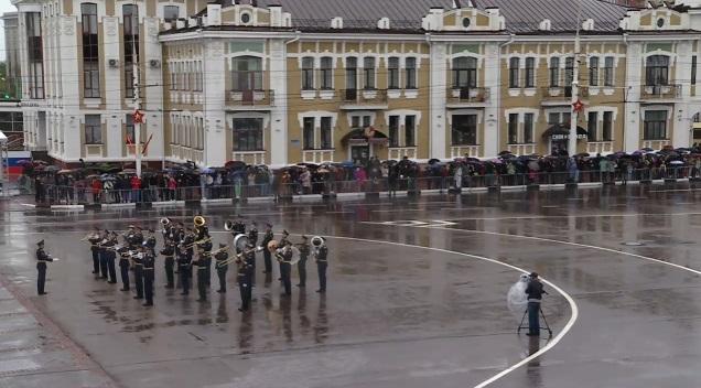 На главной площади Тамбова прошёл парад Победы