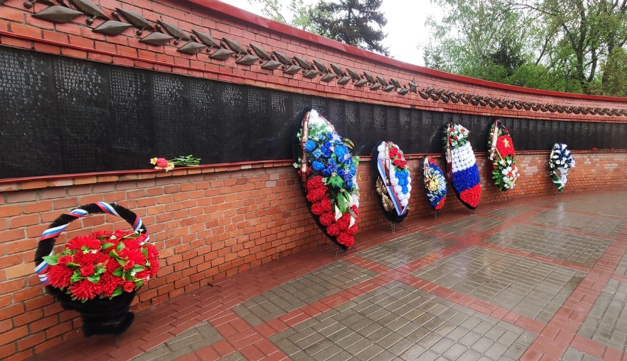 На Воздвиженском кладбище прошла панихида в память о героях войны