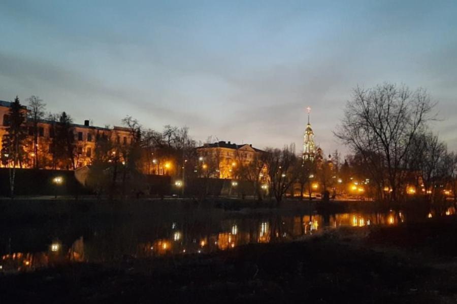 Ночной обзор: дефицит древесины в России, приближающееся похолодание, разоблачение телефонных мошенников