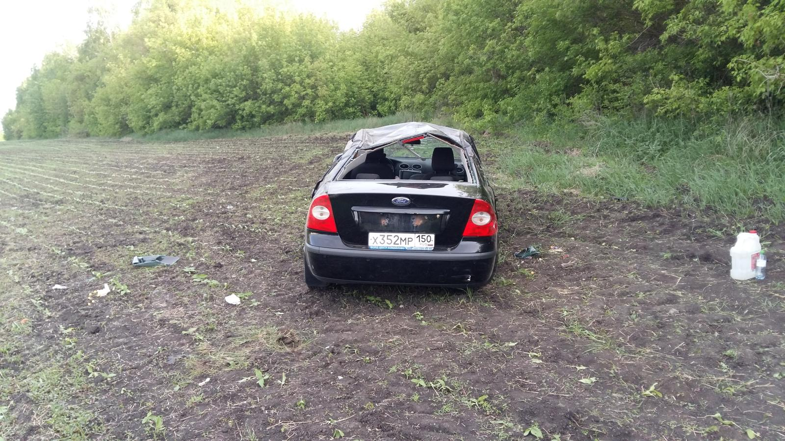 Под Тамбовом иномарка перевернулась в кювет: пострадали два подростка