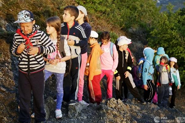 Правительство одобрило программу поддержки внутреннего туризма для детей