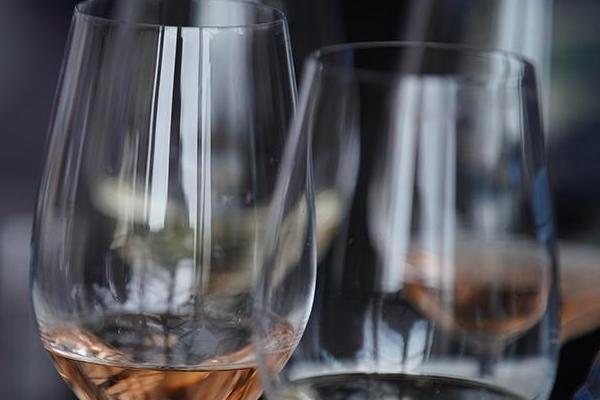 Российский эксперт оценил пользу для здоровья от умеренного употребления алкоголя