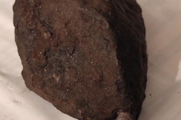 Тамбовчанин продаёт «метеорит» за 17 тысяч рублей