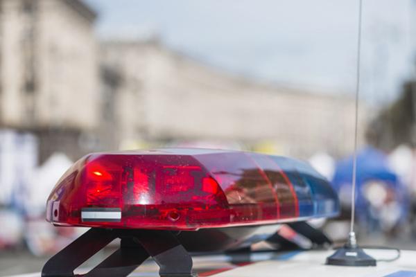 Тамбовчанка положила взятку в карман полицейскому