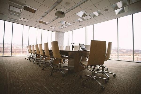 Треть компаний по всему миру планирует сократить офисы после удаленки
