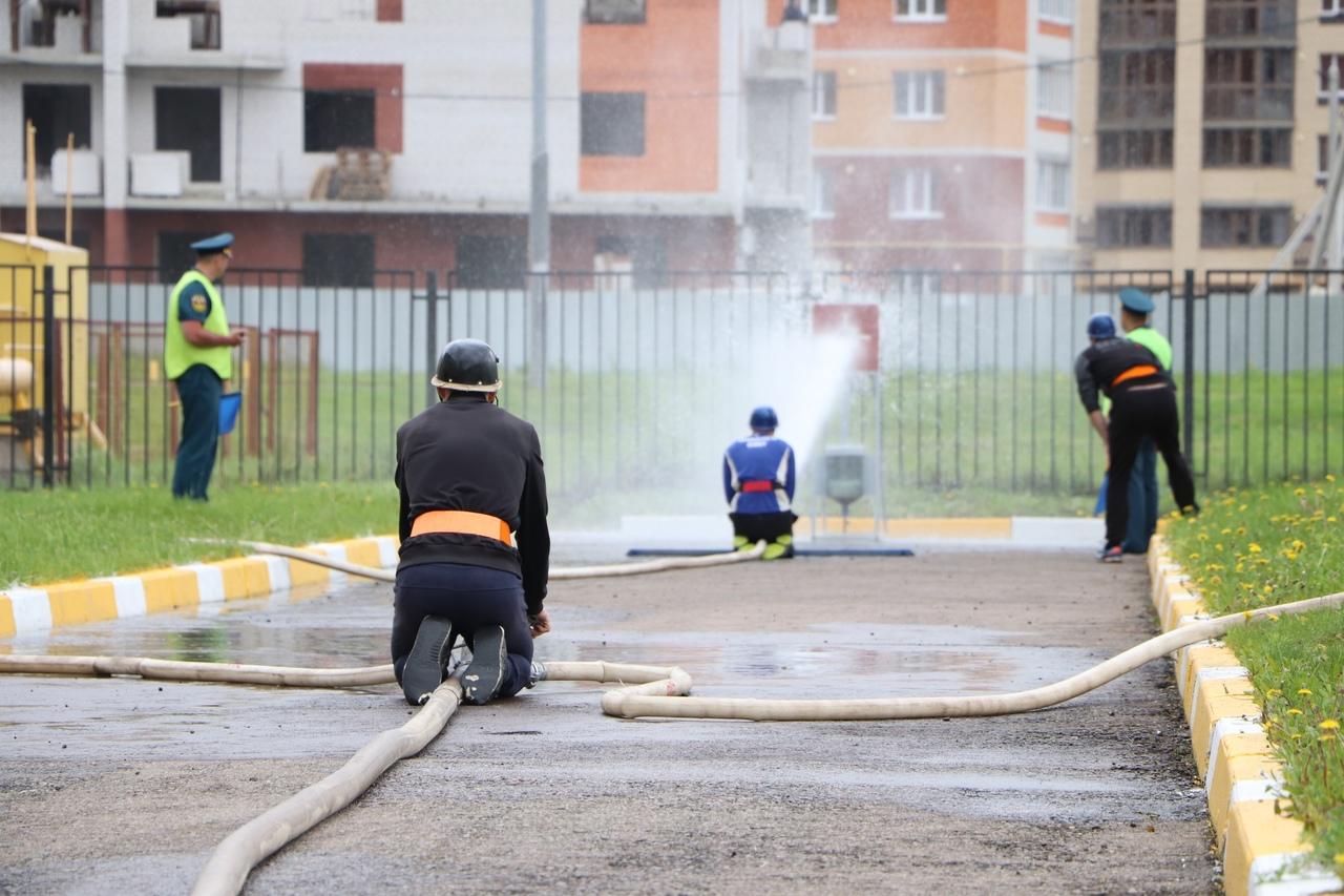 В Тамбове выявили лучших в соревнованиях по пожарно-спасательному спорту