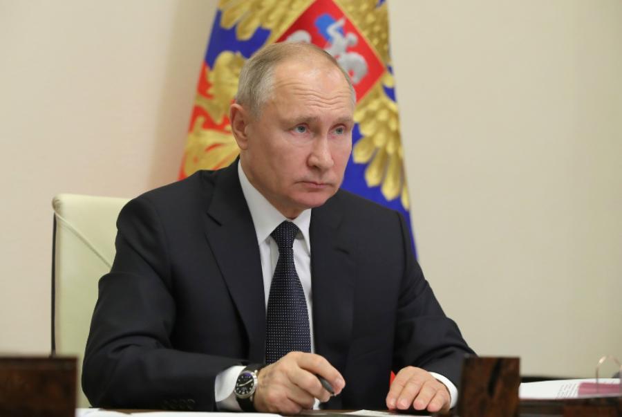 Владимир Путин призвал россиян продолжать вакцинацию от COVID-19