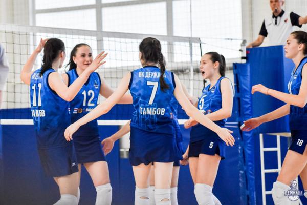 Волейболистки ТГУ уступили команде пермского университета