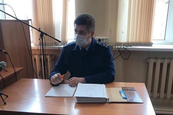 Житель Тамбовского района два дня расплачивался деньгами с найденных банковских карт