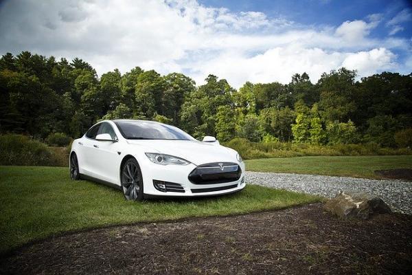 Жители Тамбовской области попросили построить в регионе завод Tesla