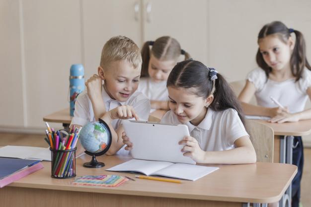 Братьев и сестёр смогут зачислять в одну школу независимо от прописки