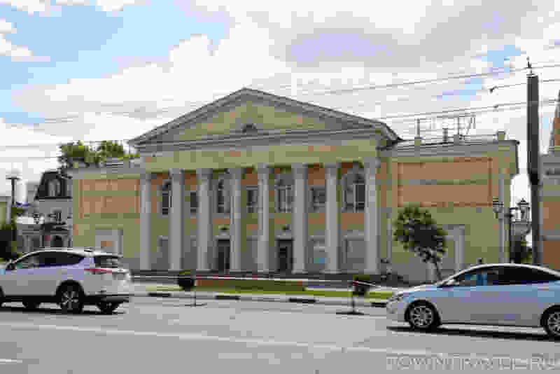Фасад кинотеатра «Родина» должны отреставрировать к ноябрю