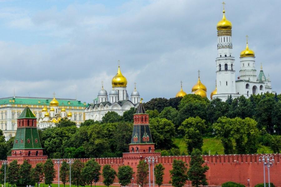 Кремль опроверг данные об ограничениях для непривитых чиновников