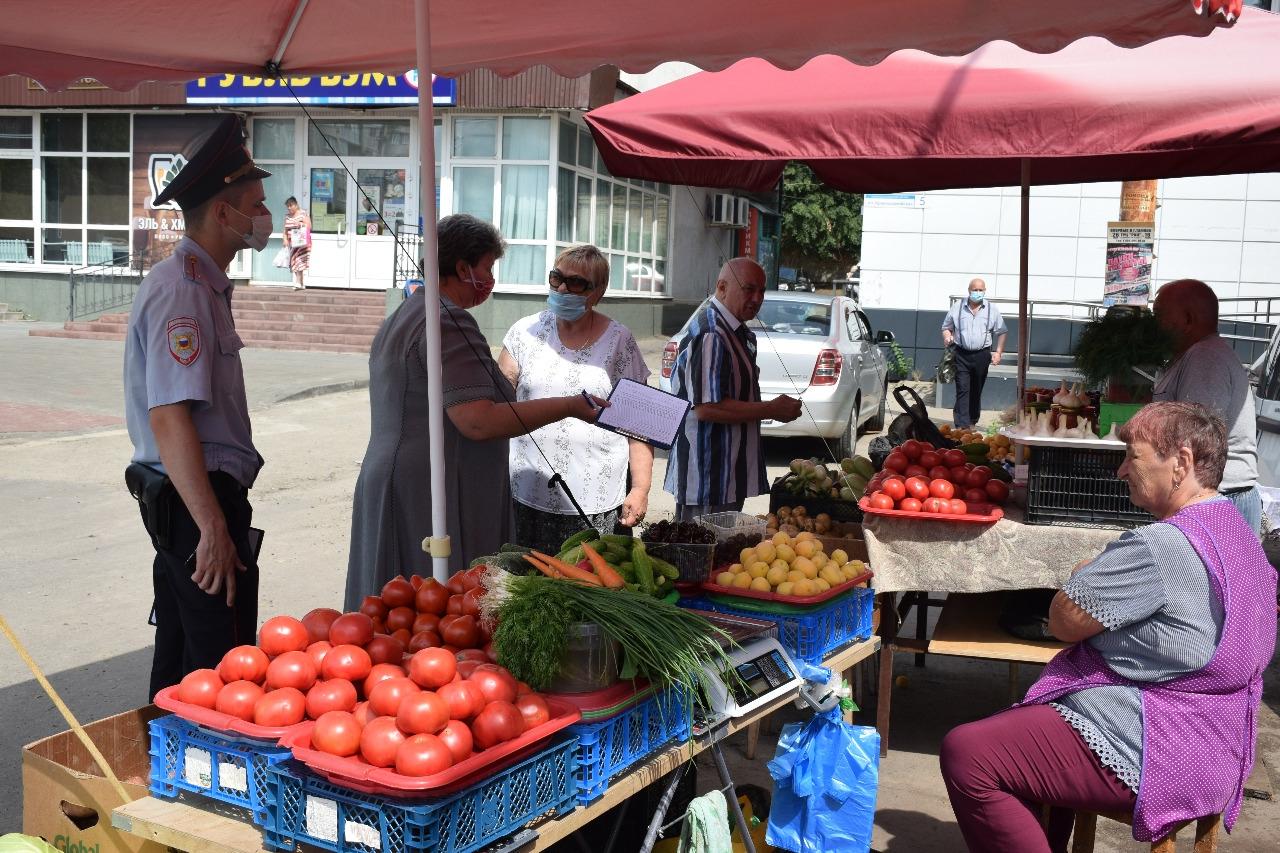 На юге Тамбова прошёл рейд на стихийном рынке