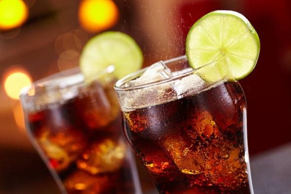 Правительство предложило ввести акцизы на сладкие напитки