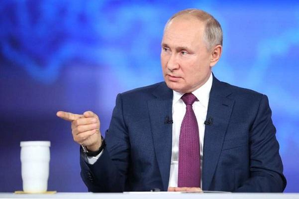 Прямая линия Владимира Путина: вакцинация, строительство школ, мусорная реформа