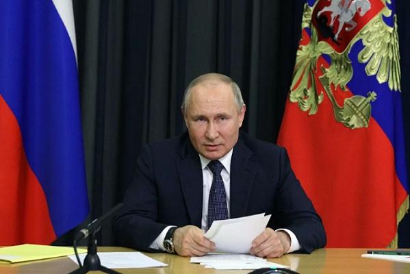 Путин заявил о выходе России из вызванного пандемией кризиса