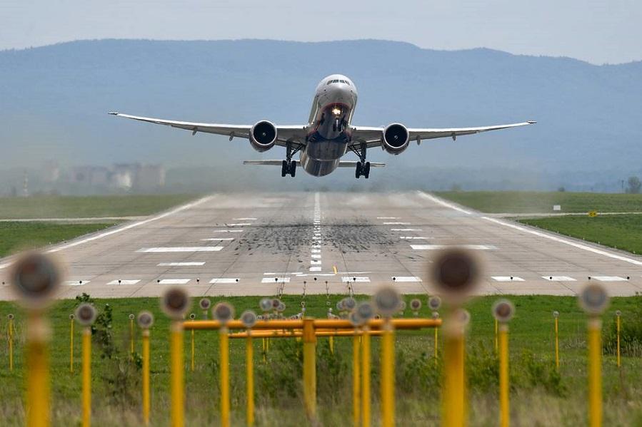 Россия возобновит авиасообщение с восемью странами