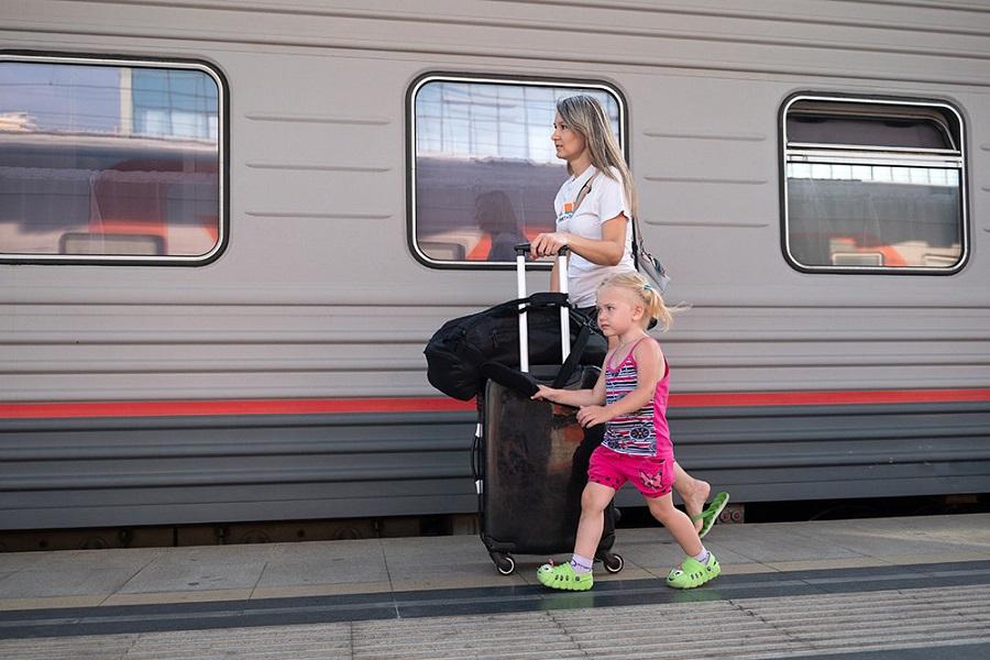 Семьи с детьми получат скидку на билеты на поезда дальнего следования