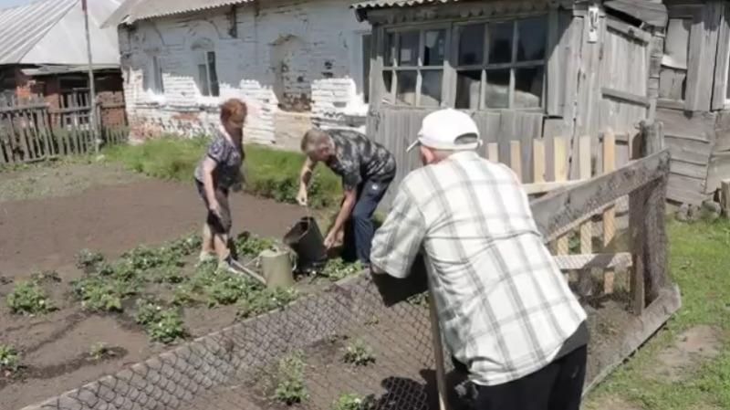 Семью тамбовских соцработников показали на Первом канале