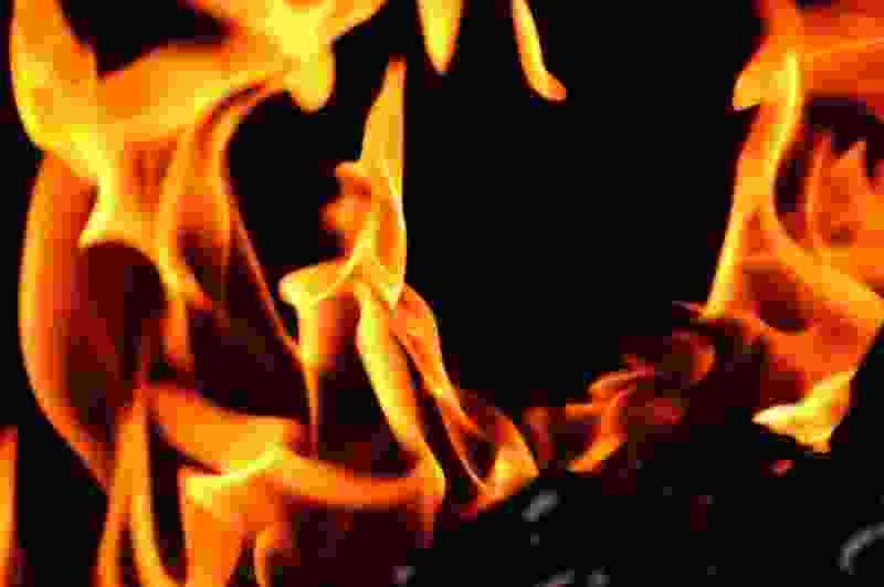Тамбовчанин поссорился со знакомым и поджёг его машину