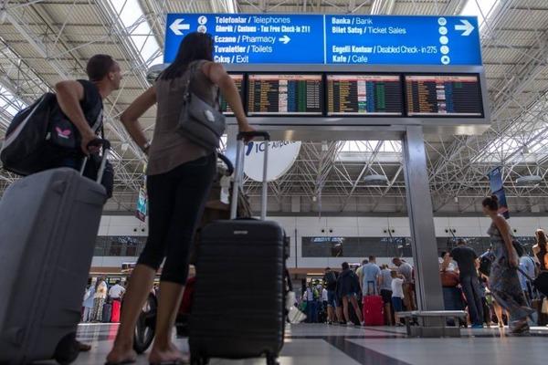 Турция упростила правила въезда для туристов из России