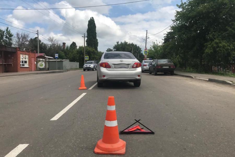 В Мичуринске водитель иномарки сбил выбежавшую на дорогу 3-летнюю девочку