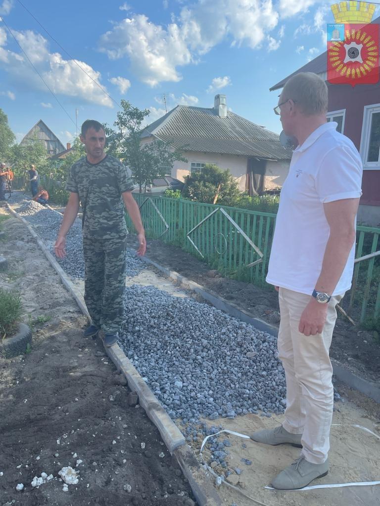 В Рассказово строят новый тротуар на улице Мухортова