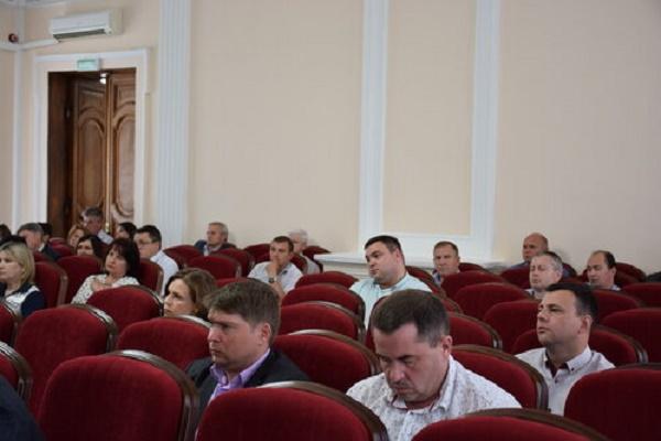 В Тамбове обсудили ситуацию с незаконной расклейкой объявлений