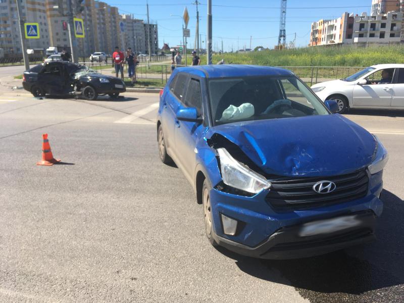 """В Тамбове произошли сразу две аварии с участием """"Приоры"""""""
