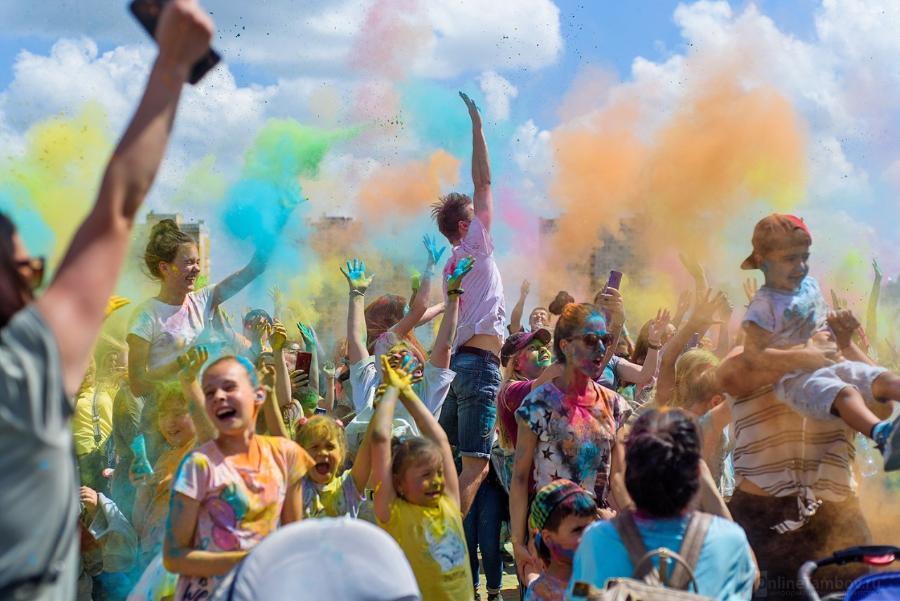 В Тамбове состоялся яркий фестиваль красок