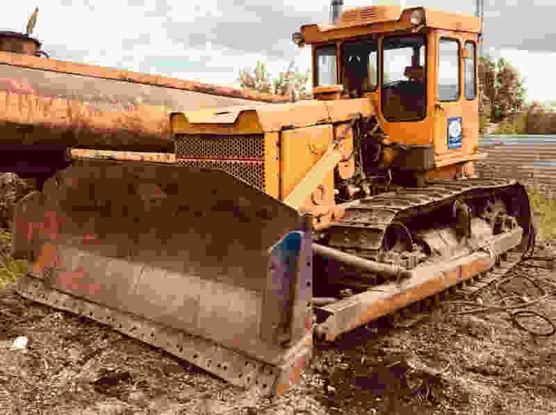 В Тамбовской области мужчина погиб под колёсами бульдозера