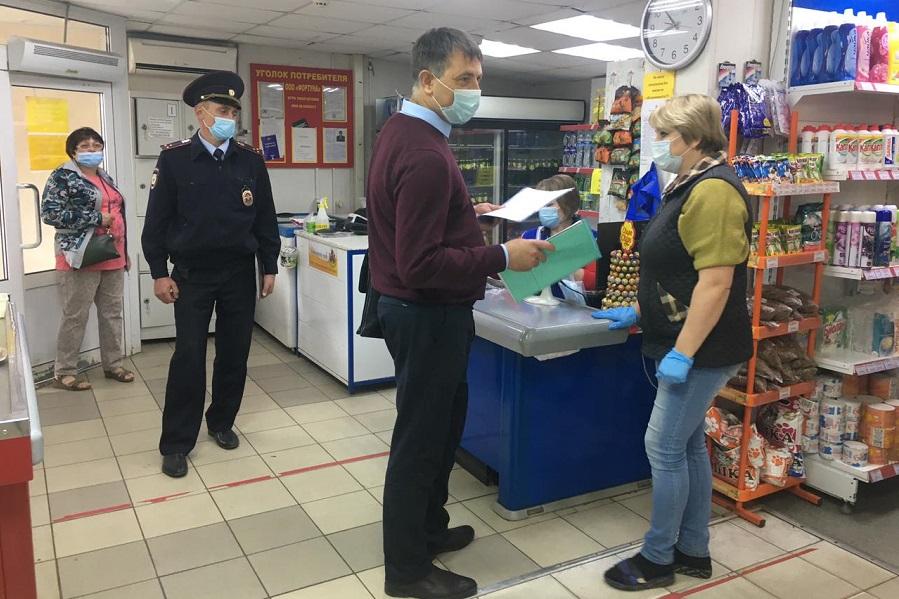 В Тамбовской области проверили соблюдение масочного режима в торговых точках и транспорте
