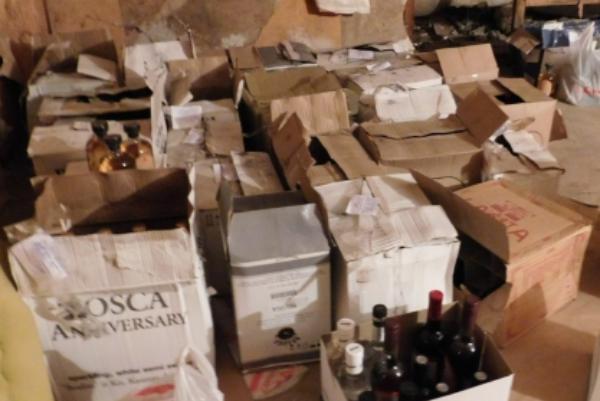 """В Тамбовском районе экс-сотрудник полиции наладил производство """"палёного"""" алкоголя"""