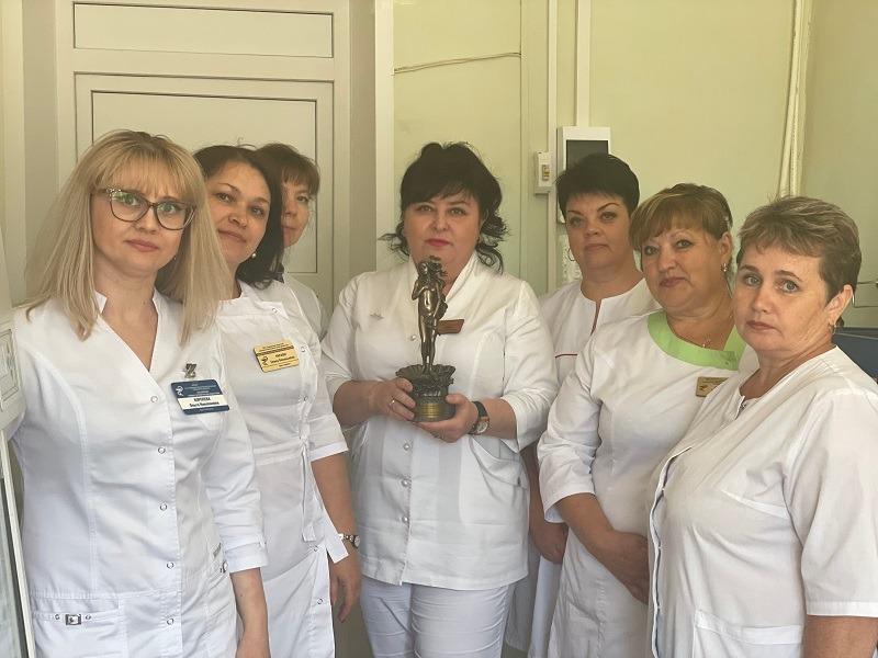 Врачи тамбовского онкодиспансера награждены «За вклад в сохранение женского здоровья»