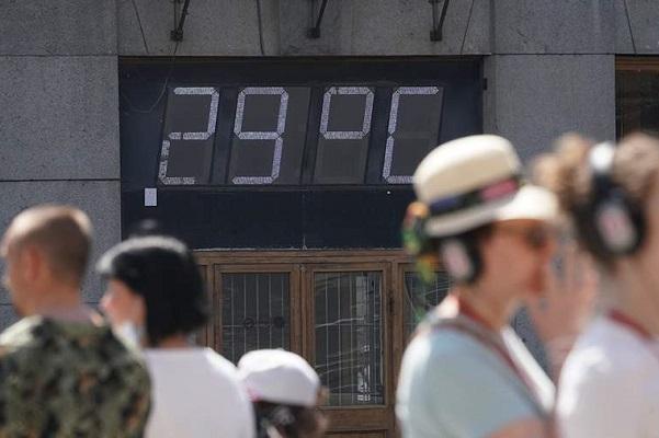 Жара в России может сохраниться до конца июня