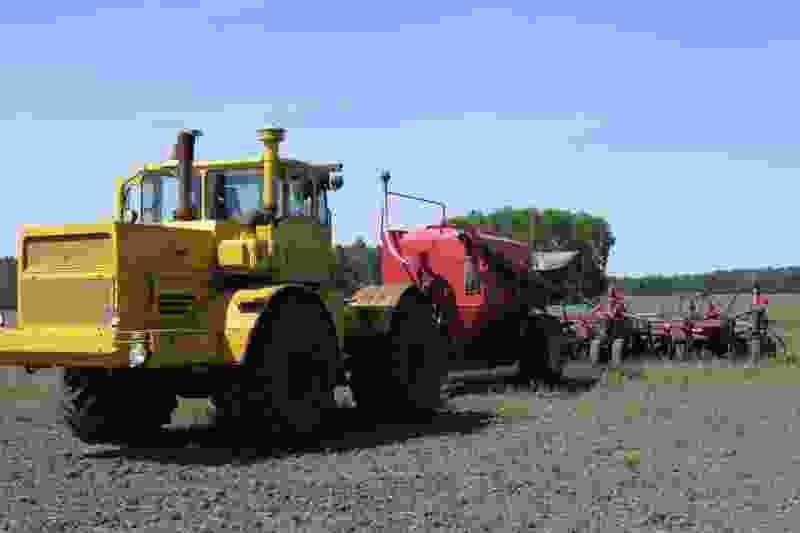 Житель Тамбовской области угнал многотонный трактор