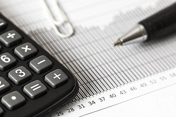 Долги по зарплате в России за месяц снизились на 4,7%