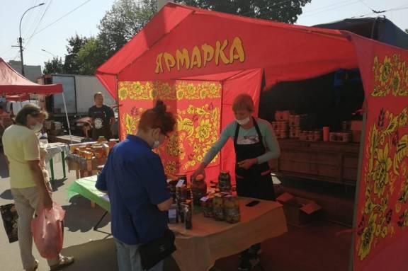 Фестиваль уличного кино, экспресс-курс по фламенко, ярмарка мёда