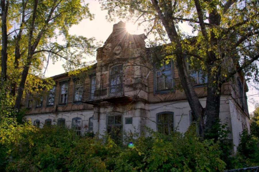 Флигель Нарышкина и Свято-Ольгинскую школу включили в реестр памятников