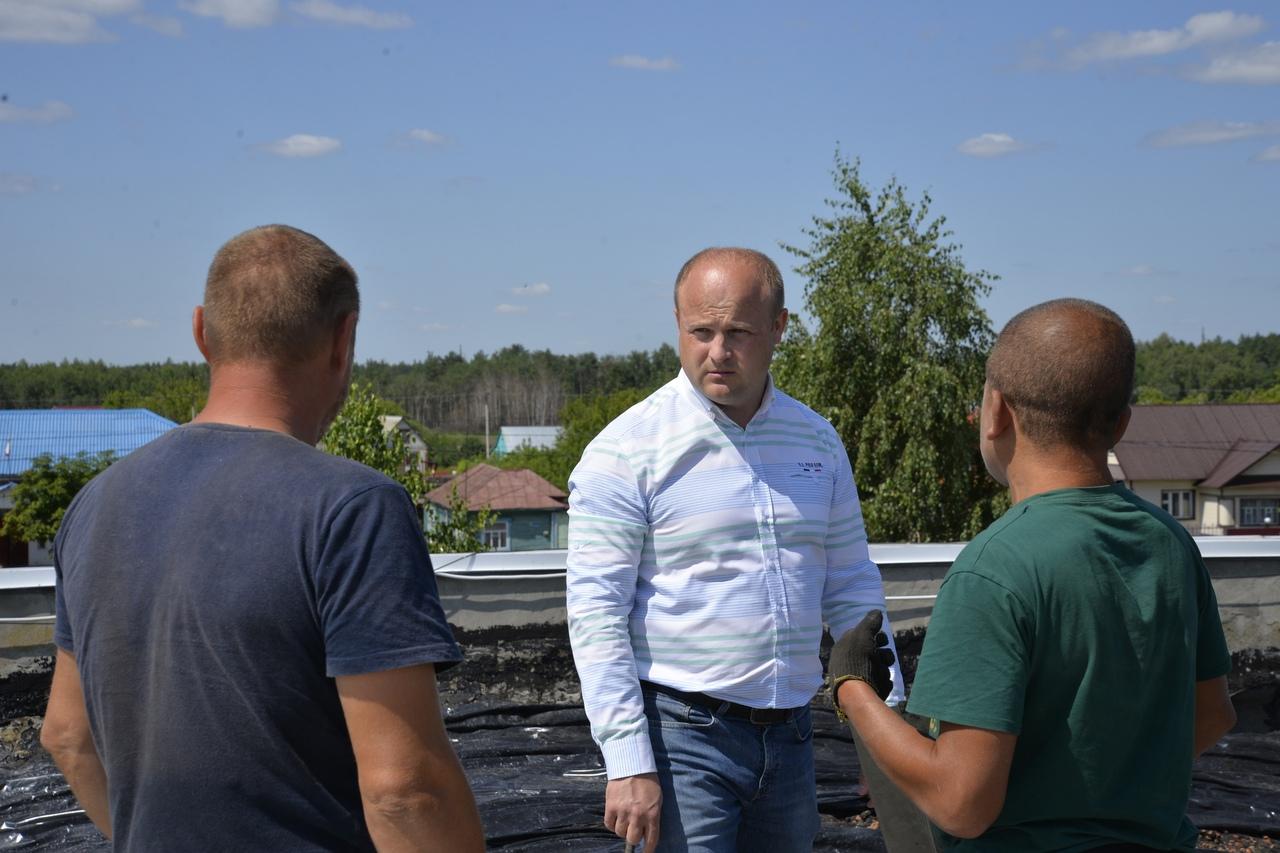 Глава Рассказовского района проверил ход работ по ремонту соцобъектов