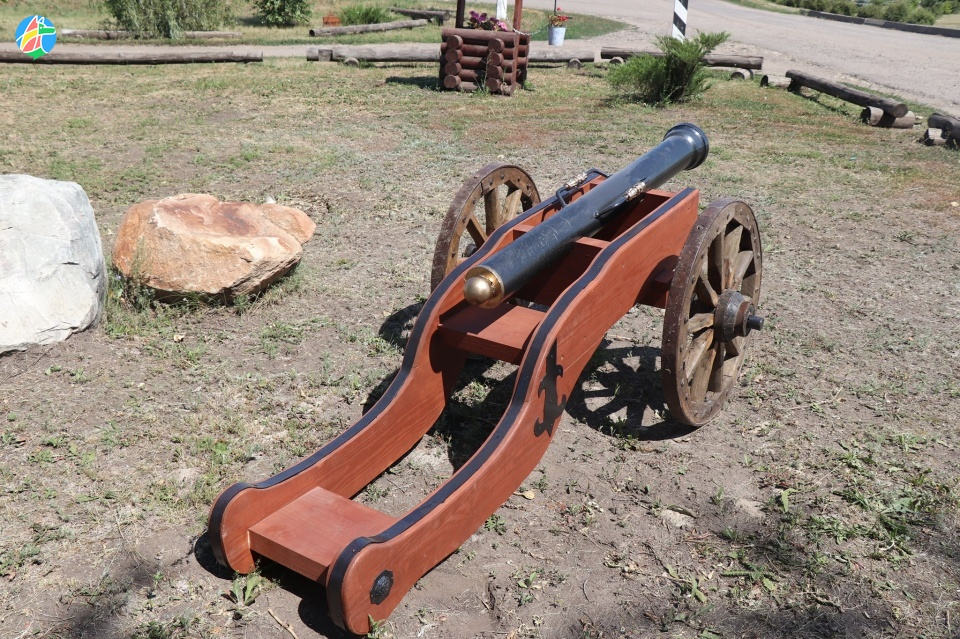 На территории музея Сергеева-Ценского установили пушку