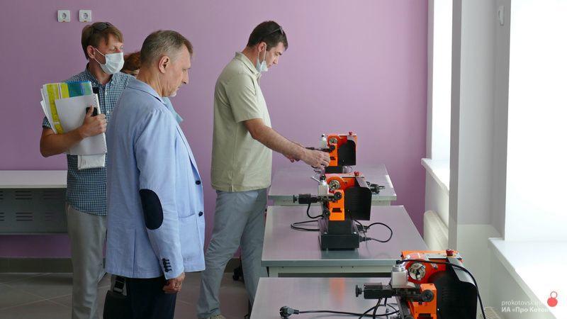 Новую экотехношколу Котовска проверяют кураторы из Москвы