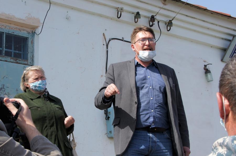 Обзор за неделю: обязательная вакцинация, покушение на активиста Романа Герасимова, очередная коммунальная авария