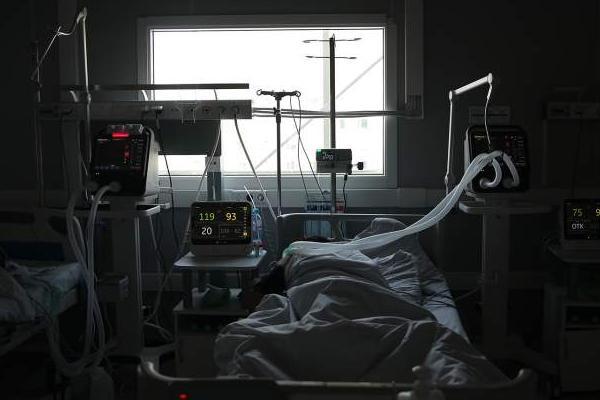 Стал известен фактор, влияющий на смертность мужчин от коронавируса