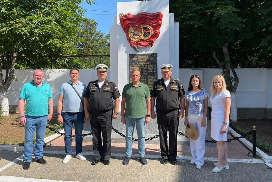 Тамбовская делегация посетила подшефную воинскую часть в Севастополе