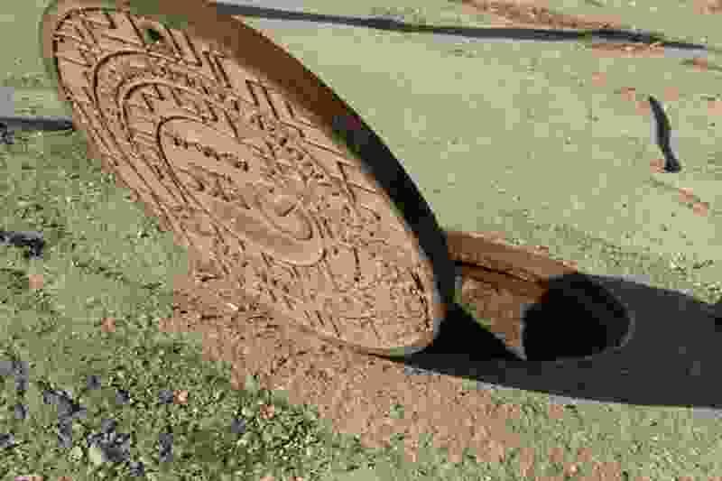 Троих тамбовчан будут судить за кражу канализационных люков